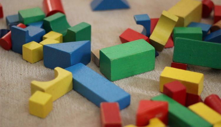 Învață să dezvolți creativitatea copilului