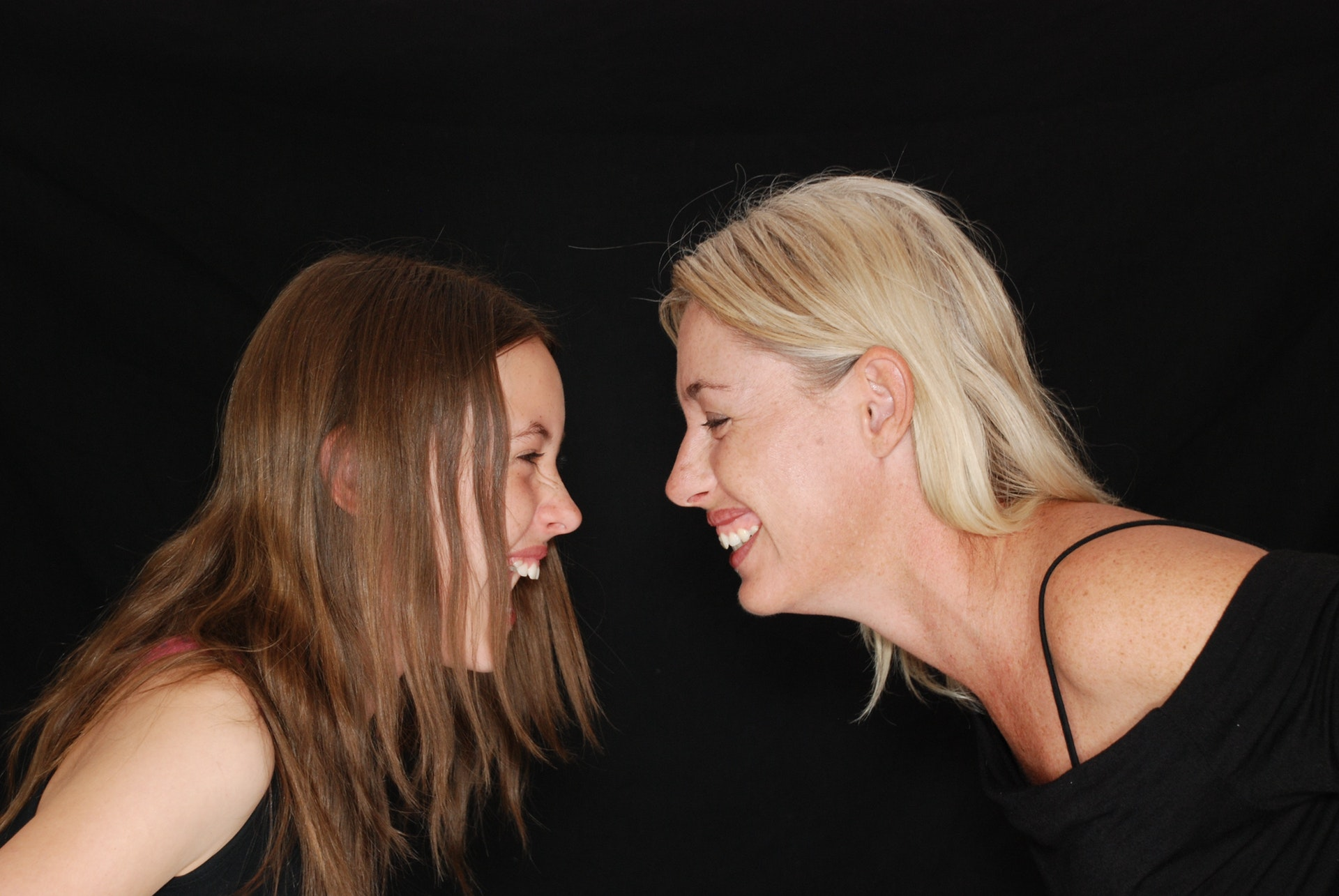 Mama și fiica adolescentă
