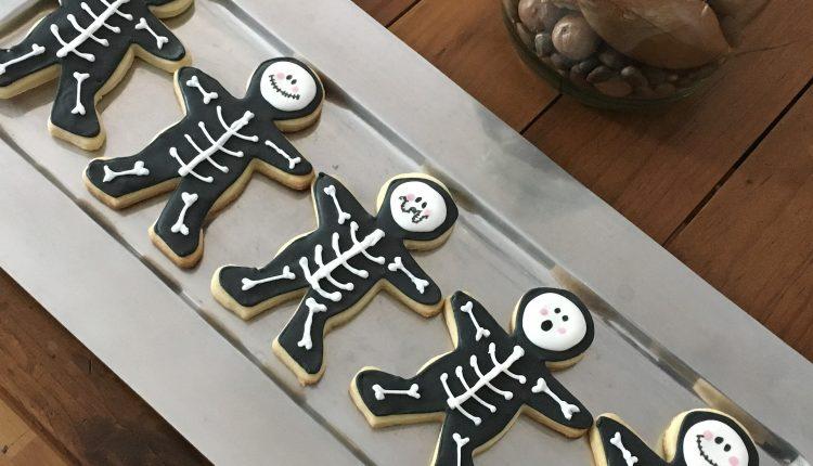 Cum să organizezi petrecerea de Halloween pentru copii
