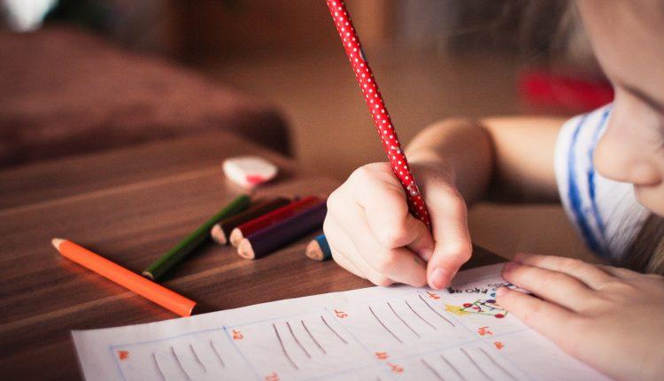 10 metode ca sa-ti motivezi copilul sa invete