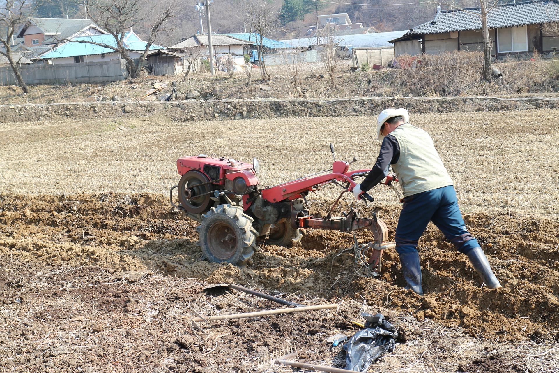 6 unelte necesare pentru o afacere agricola